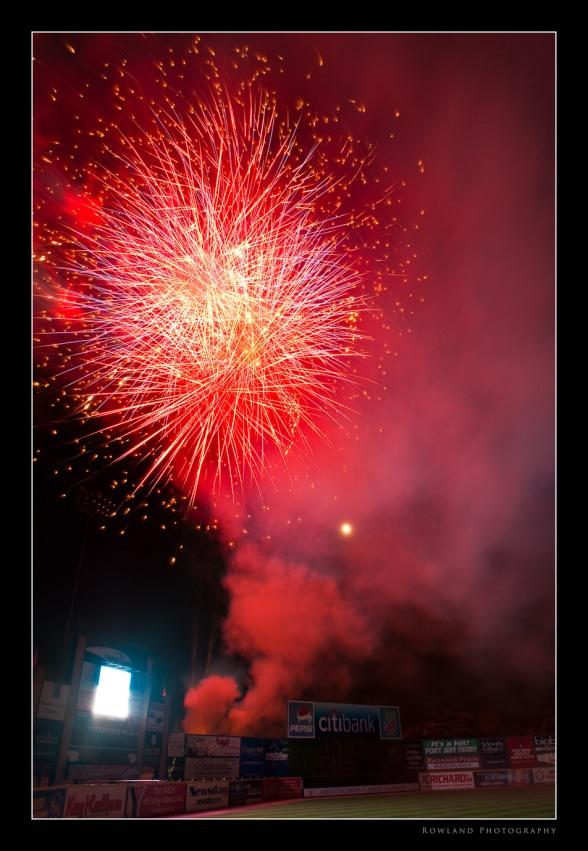 Fireworks III (c) Joseph Rowland 2009