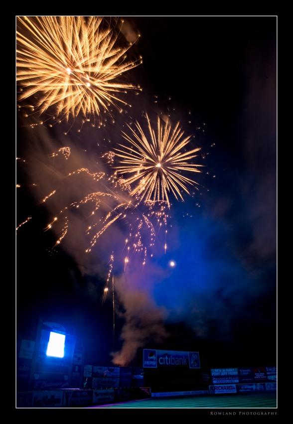 Fireworks I (c) Joseph Rowland 2009